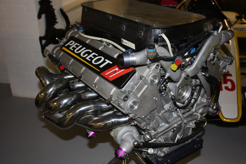 Peugeot engine